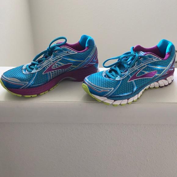 1da75d95804d3 Brooks Shoes - Women s 8.5 Brooks Adrenaline GTS Running Shoes